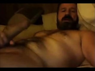 Hairy hot dad shootin that cum