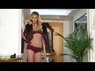 Blake eden masturbates in her sexy high heels