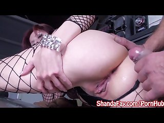 Milf shanda fay gets off in car shop