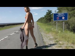 Naked girl flashing pussy to the drivers
