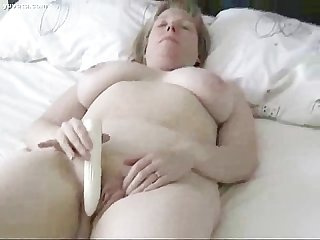 Huge bobbie mama s self amusement