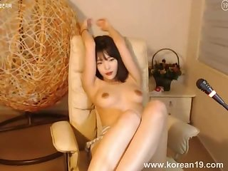 Pretty Korean girl shows boobs webcam