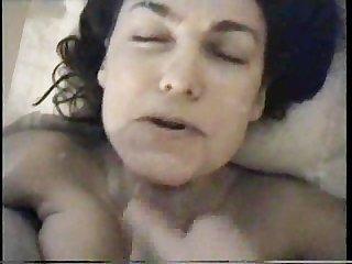 Amateur facial cumshot she doesnt seem to enjoy