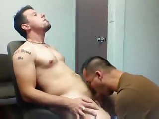 Straight guy gets first gay blowjob