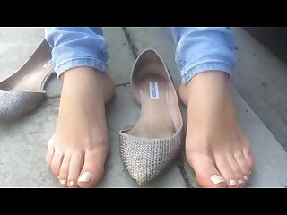 Latina size 10 quick foot video at bus stop