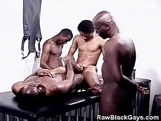 Black dude breeding ends with cumshots