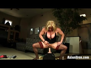 Female bodybuilder rides the powerful sybian