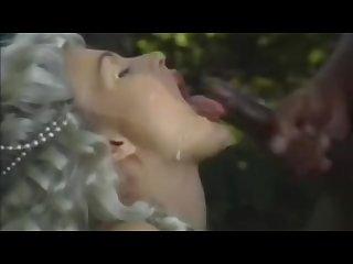 Eva henger Interacial facial