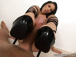 Hot heeljob asian