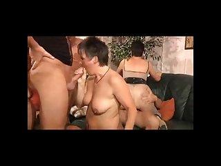 Une orgie sympathique avec des femmes matures