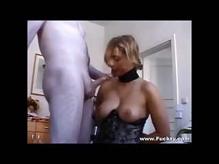 Busty stockings milf gets her arsehole serviced