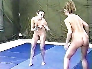 Lisa marie vs raven wrestling