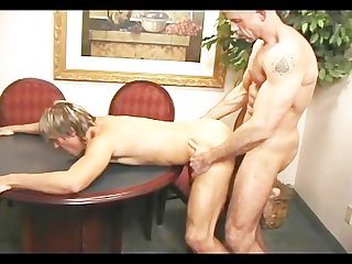 Red hot peckers scene 3