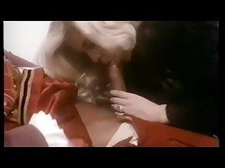 Beefeaters moana calda femmina da letto