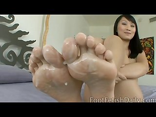 Evelyn lin pudding toes