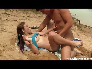 Anouk has a lot of fun on the beach