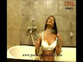 Poonam pandey bathing hot videos