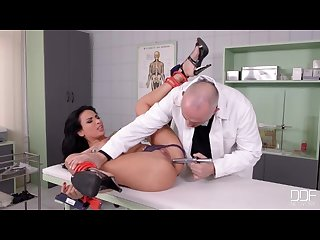 Beautiful french girl fucked good in clinic pt 1