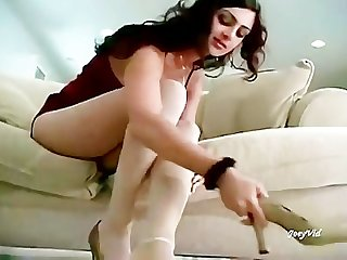 Paki girl mehnaz showing her hot feet in white stockings for paki footboys