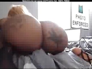 Amateur dirty tattooed big ass ebony riding dildo