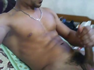 Egyptian Arab stud cumms in his own face
