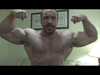 Muscle worship oiled up video featuring thejohnsmithy short Vid