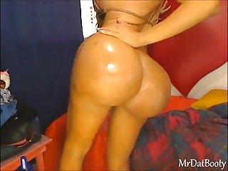 Joanneeyes ass like kim k ardashian