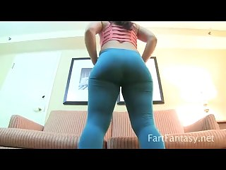 Savannah fox farting stinks up yoga pants