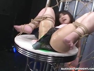 Bounded japanese babe had her pussy molested with double vibrator