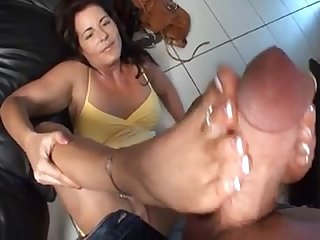 Mature footjob pictures
