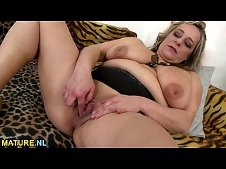Busty bbw squirting while masturbating