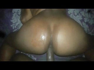 Big ass gf squirting on my dick