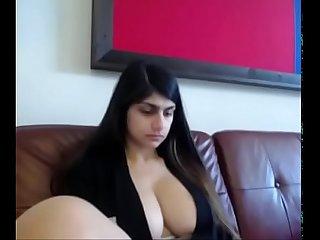 Slutsoe period com mia khalifa rare Big Boobs cam show