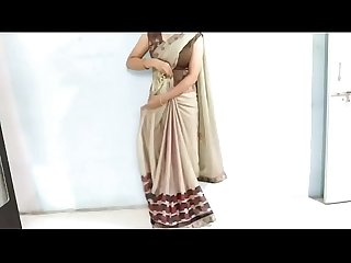 Indian sexy Bhabhi in saree Looking Sexy Hindi Audio