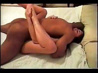 Enchendo a bucetinha de porra