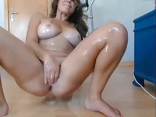 Mel Squirting on Webcam free live Sex cams on live99cams com