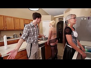 Mom and stepsis Threesome after brainwash leilani lei fifi foxx