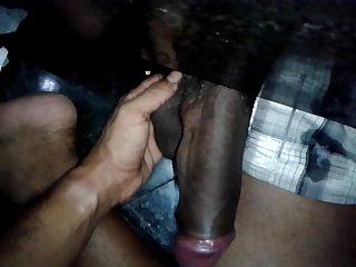 Piroco de um negro no baheiro do rj