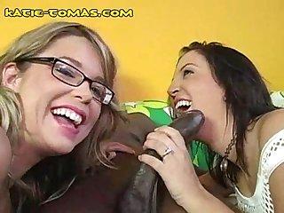 Two babes sucking black