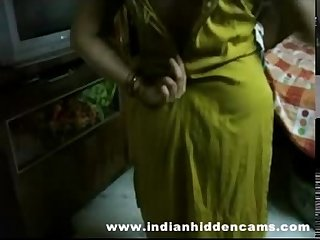 Bigtits Mature indian bhabhi getting naked taking shower
