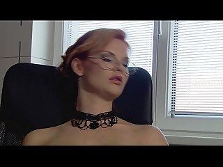 Terra White - Chefin setzt sich einfach auf den Schwanz ihres Angestellten