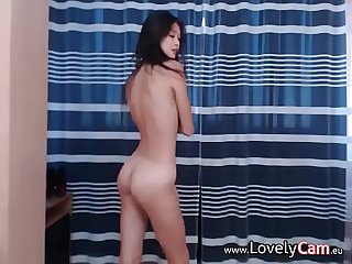 Cute girl doing some cam show www period lovelycam period eu