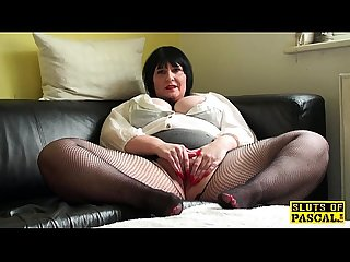Plump uk mature fingers her vag in fishnets