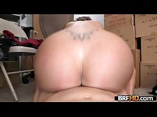 Big booty latina Vanessa Luna Hardcore Sex In The Back Room 2.6