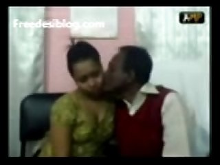 Bangladeshi couple sucking fucking bangla song in background