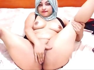 Sexy arabian slut playing solo camdystop com