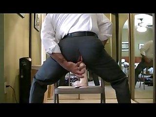 Executivo dando Para O dildo