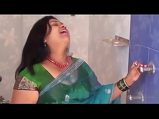 HOTTEST BATHING BY HOT AUNTY