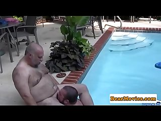 Feetloving heavy bear bare fucked at the pool