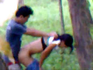 Desi girlfriend outdoor fucking with boyfriend